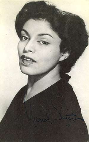muriel smith_photo autograph WEB